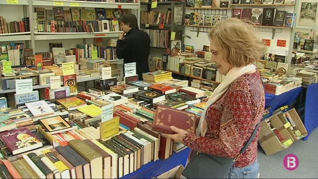 Obre+la+Fira+del+Llibre+d%27ocasi%C3%B3+amb+llibres+a+m%C3%A9s+de+1.500+euros