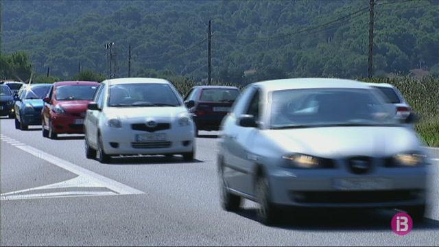 Els+%26%238216%3Brent+a+car%27%2C+a+favor+de+limitar+els+cotxes+de+lloguer+a+Menorca