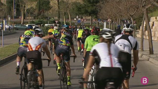 La+IV+Marxa+ciclista+solid%C3%A0ria+Na+Marga+Somriu+aconsegueix+3.000+euros