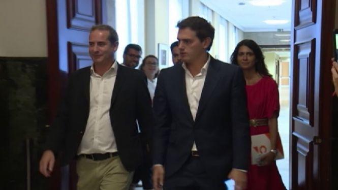 El+PSOE+assegura+que+compleix+les+condicions+exigides+per+Ciutadans+i+en+demana+la+seva+abstenci%C3%B3