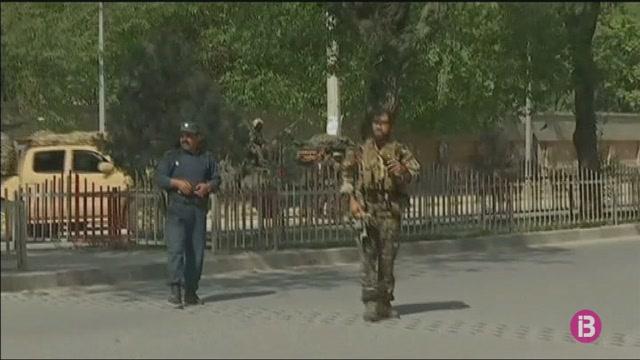 Almanco+24+morts+en+un+doble+atemptat+su%C3%AFcida+a+Kabul