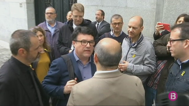 Processats+quatre+exmembres+de+la+Mesa+del+Parlament+per+desobeir+al+Constitucional