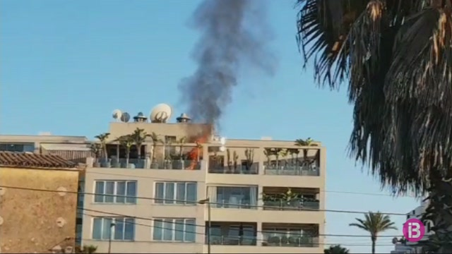Incendi+a+l%27%C3%A0tic+d%27un+edifici+del+passeig+Mar%C3%ADtim+d%27Eivissa