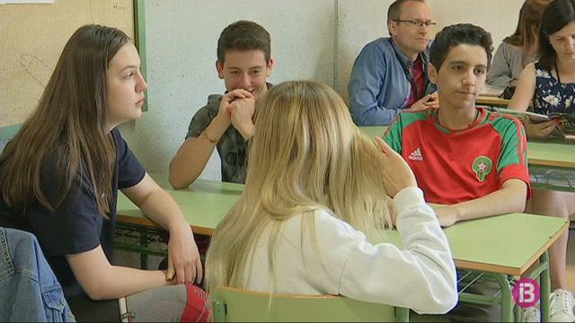 L%27IES+Sant+Agust%C3%AD+de+Sant+Josep+rep+14+alumnes+del+programa+Erasmus