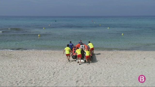 Nous+equipaments+i+m%C3%A9s+socorristes+a+les+platges+de+Son+Bou+i+Cala+en+Porter