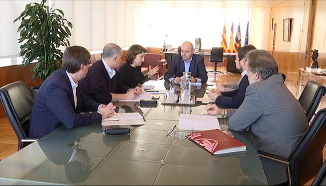 Santiago+negocia+la+transfer%C3%A8ncia+de+les+resid%C3%A8ncies+al+Consell+d%27Eivissa