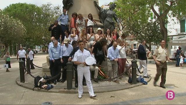 Homenatge+militar+a+Eivissa+al+general+Vara+de+Rey