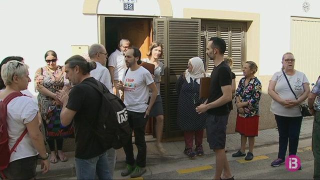 Ajornat+un+desnonament+al+carrer+Orient+de+Palma