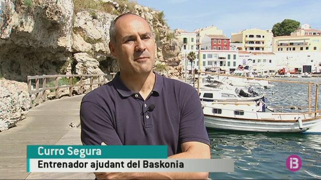 Curro+Segura+creu+que+ha+tornat+la+passi%C3%B3+pel+b%C3%A0squet+a+Menorca