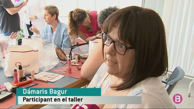 Dones+afectades+de+c%C3%A0ncer+aprenen+a+Menorca+com+maquillar-se+durant+la+seva+malaltia