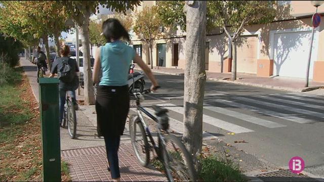 Els+despla%C3%A7aments+en+transport+p%C3%BAblic+han+minvat+un+48%25+a+Menorca+entre+2001+i+2017