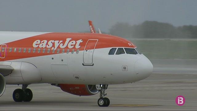 Nom%C3%A9s+una+aerol%C3%ADnia+vol+cobrir+la+ruta+entre+Menorca+i+Londres+durant+l%27hivern