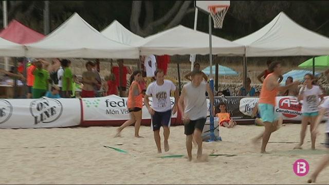 Cala+Mar%C3%A7al%2C+escenari+del+Beach+Festival