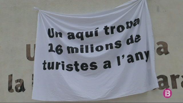El+GOB+inicia+al+Trenc+la+campanya+%E2%80%98Salvar+Mallorca+%C3%A9s+ara+o+mai%E2%80%99