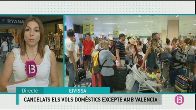Cancel%C2%B7lats+tots+els+vols+nacionals+de+Ryanair+a+Eivissa+menys+les+connexions+amb+Val%C3%A8ncia