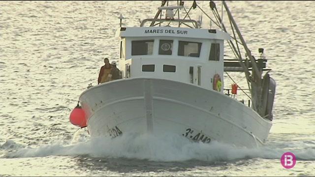 Els+pescadors+piti%C3%BCsos+i+alacantins+revisen+qui+i+qu%C3%A8+es+pesca+al+Canal+d%27Eivissa