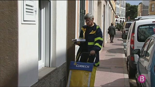 Els+treballadors+de+Correus+de+Menorca+denuncien+que+els+carters+treballen+a+ple+sol