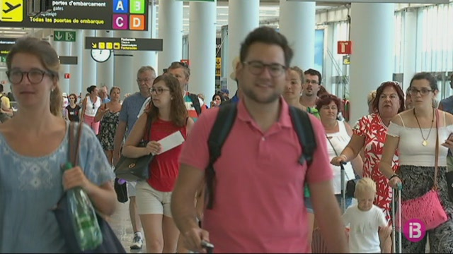 223.000+passatgers+passen+pels+aeroports+illencs+el+15+d%27agost