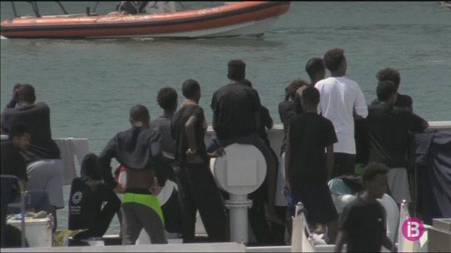 Els+150+immigrants+retinguts+del+%27Dicotti%27+han+iniciat+una+vaga+de+fam