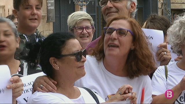 Les+cambreres+de+pis+de+Menorca+no+poden+m%C3%A9s