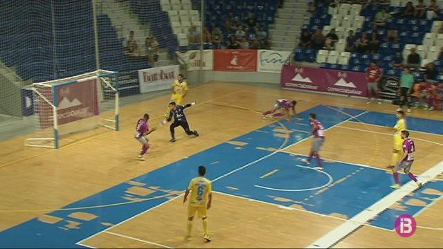 El+Palma+Futsal+goleja+al+Pen%C3%ADscola+i+guanya+el+torneig+THB+Hotels-Bale%C3%A0ria