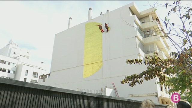 El+Bloop+Festival+omple+de+murals+les+parets+d%27Eivissa