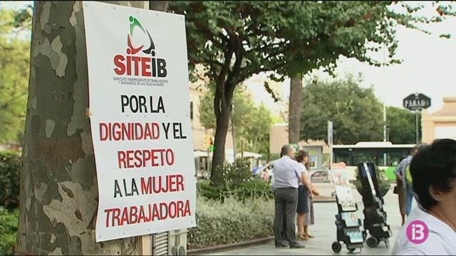 Un+sindicat+recull+firmes+contra+el+preacord+del+conveni+dels+treballadors+de+neteja