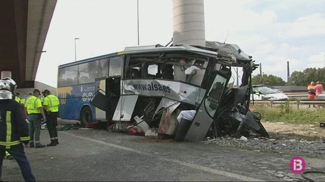 Cinc+morts+en+un+accident+d%27autob%C3%BAs+a+Ast%C3%BAries