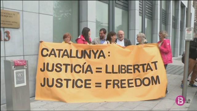 La+vista+de+la+demanda+de+Puigdemont+contra+Llarena+s%27ajorna+tres+setmanes