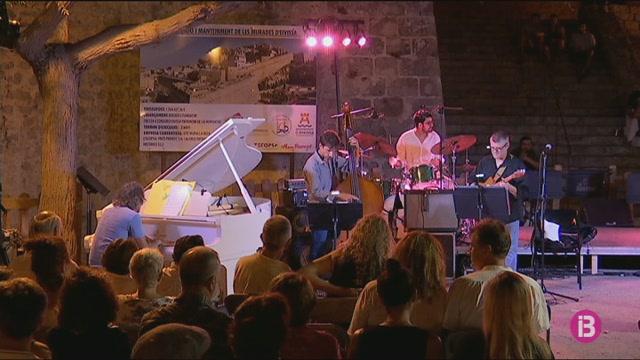 Big+Band+Ciutat+d%27Eivissa+i+Pere+Arguimbau+Quartet+al+Festival+de+Jazz+d%27Eivissa