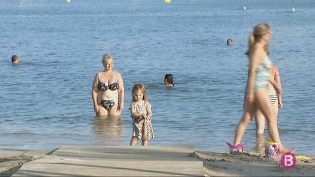 Reoberta+al+bany+la+platja+del+Moll+del+Port+de+Pollen%C3%A7a