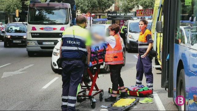 Un+ciclista+ferit+greu+en+un+accident+amb+un+autob%C3%BAs