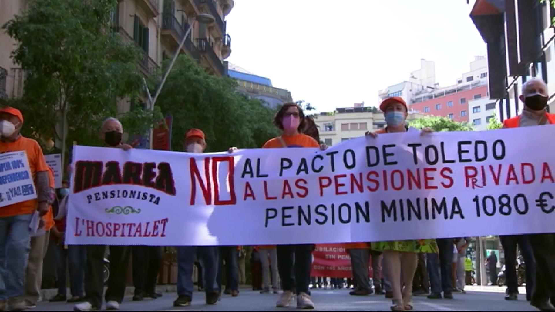Milers+de+pensionistes+es+manifesten+per+tot+l%27Estat+per+defensar+les+pensions