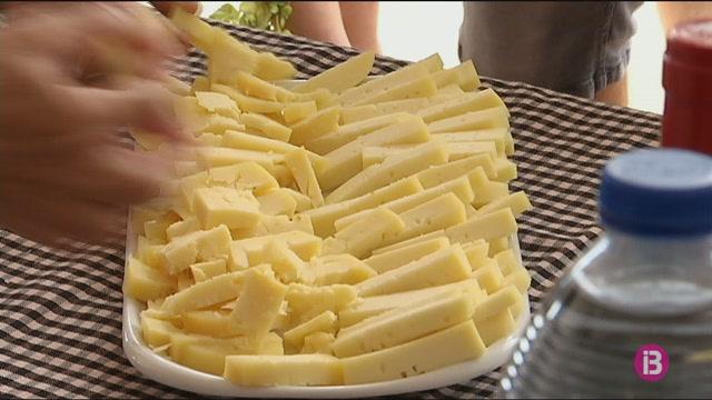 24+productors+de+Menorca+de+formatge%2C+oli+i+mel+obren+les+seves+finques+per+donar-se+a+con%C3%A9ixer