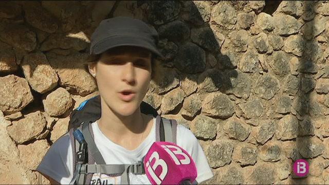 El+80%25+de+turistes+que+arriben+ara+a+S%C3%B3ller+s%C3%B3n+senderistes