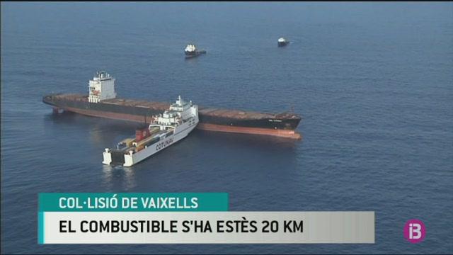 Xoquen+dos+vaixells+a+la+costa+de+C%C3%B2rsega