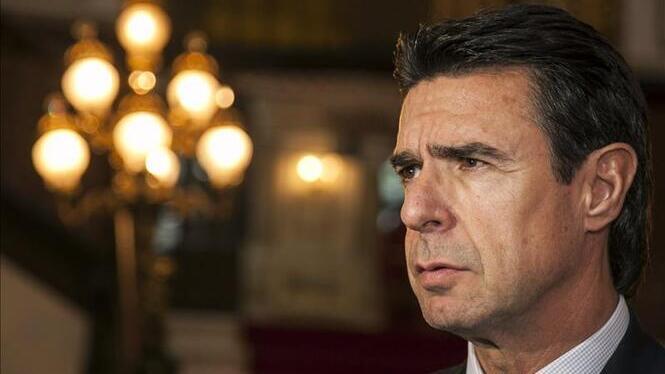 Soria%2C+el+ministre+que+va+impulsar+l%26apos%3Bimpost+al+sol%2C+executar%C3%A0+diversos+parcs+solars+a+les+Illes