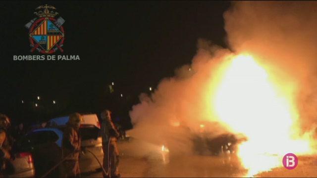 Un+cotxe+es+cala+foc+a+Palma
