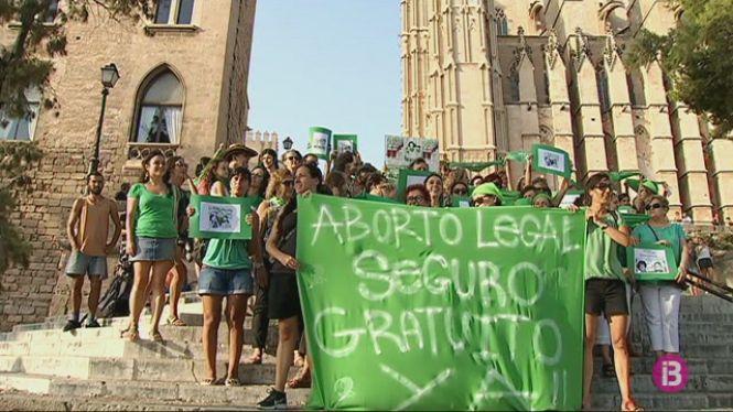 %27Feministes+de+Mallorca%27+dona+suport+a+la+despenalitzaci%C3%B3+de+l%27avortament+a+l%27Argentina