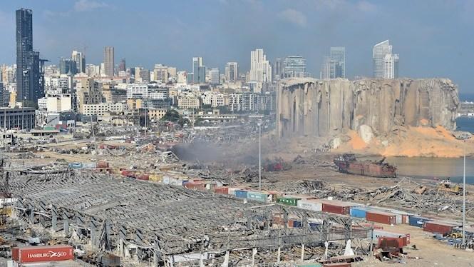 M%C3%A9s+de+cent+morts+i+uns+4.000+ferits+per+les+explosions+al+port+de+Beirut