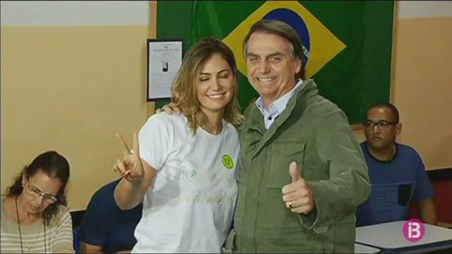 Preocupaci%C3%B3+entre+els+brasilers+residents+a+Balears+per+l%26apos%3Belecci%C3%B3+de+Bolsonaro+com+a+president+del+Brasil