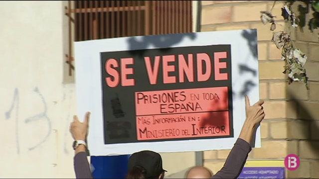 Treballadors+de+la+pres%C3%B3+i+jutjats+d%27Eivissa+es+manifesten+per+defensar+els+seus+drets+laborals