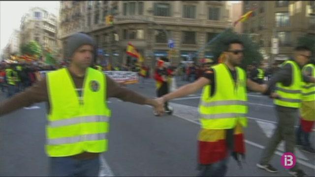 Uns+500+policies+exigeixen+a+Barcelona+l%26apos%3Bequiparaci%C3%B3+salarial+amb+els+Mossos