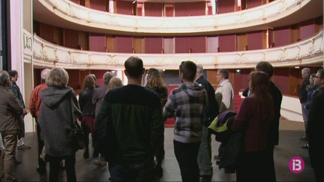Portes+obertes+al+Teatre+des+Born%2C+abans+que+tanquin+per+les+darrers+obres