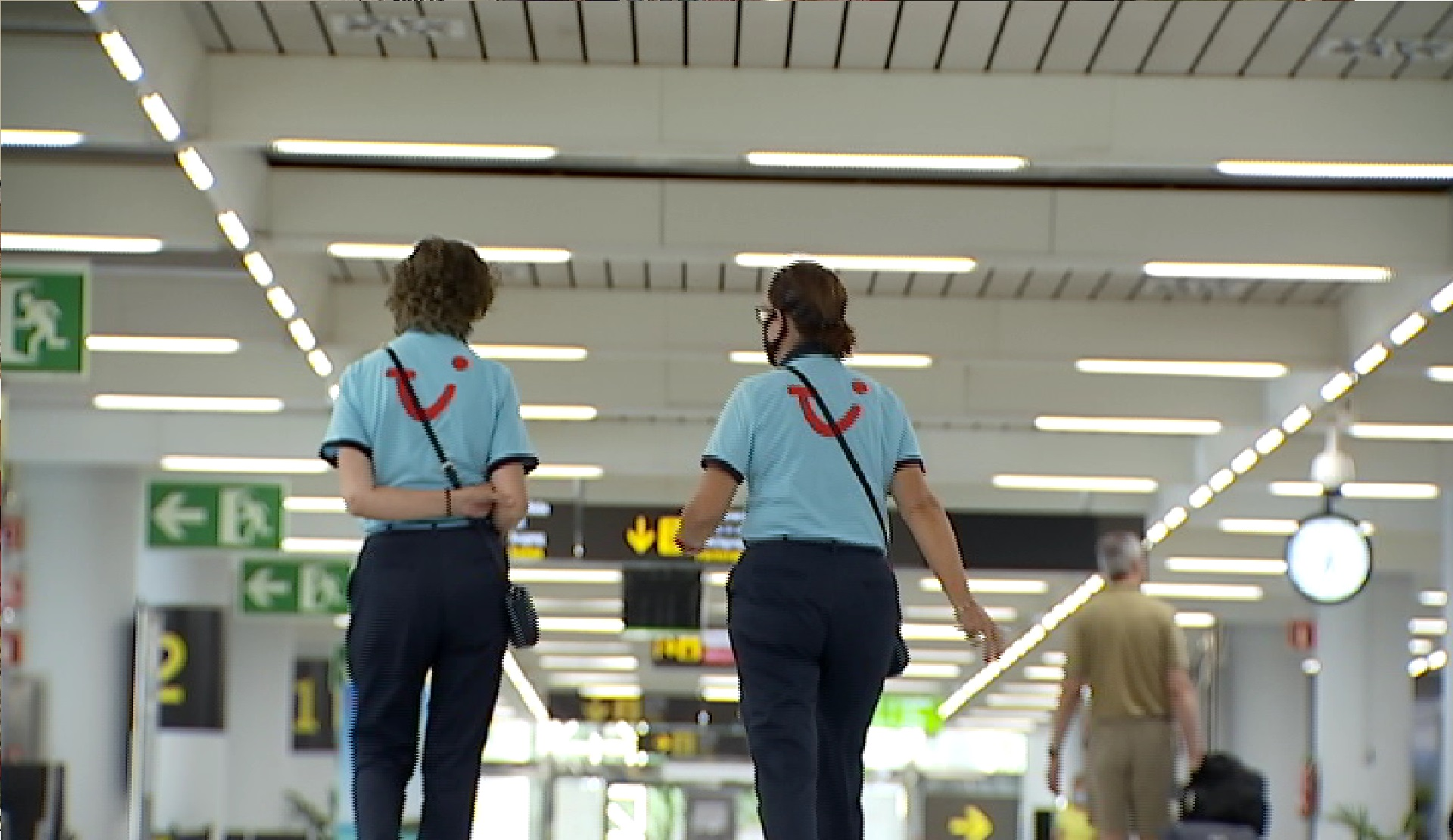 Turistes+alemanys+continuen+arribant+als+aeroports%2C+tot+i+les+mesures+restrictives