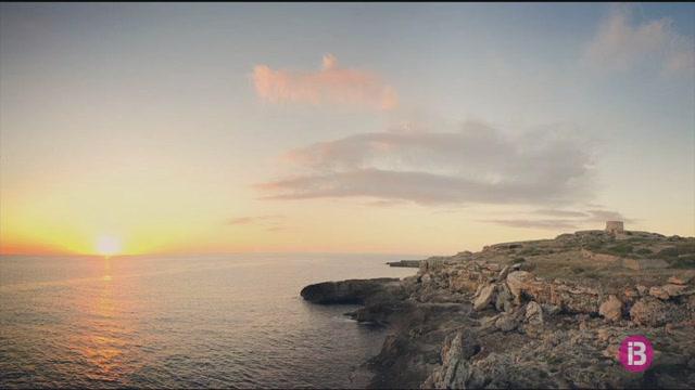 Es+Castell+obre+el+concurs+de+fotografia+%27Es+primer+sol+d%27Espanya%27