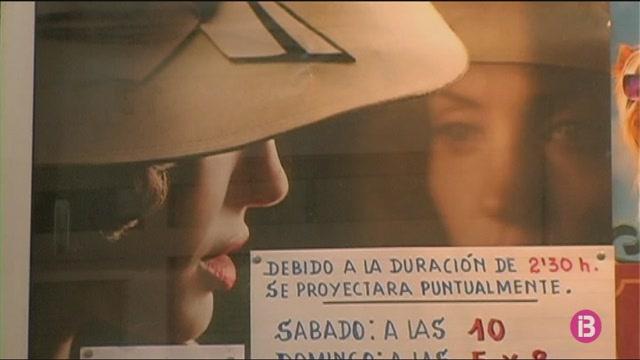 El+vell+cinema+del+Centre+Cultural+d%26apos%3BAlaior%3A+hist%C3%B2ria+de+trenta+anys+de+projeccions