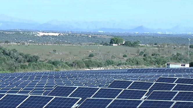 Via+lliure+a+les+energies+renovables+en+s%C3%B2l+r%C3%BAstic