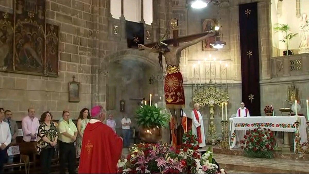 Catalina+Cladera+assisteix+a+la+missa+en+honor+del+Sant+Crist+de+la+Sang
