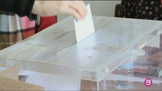 13.000+docents+voten+els+seus+representants+sindicals